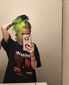 The Effective Pictures We Offer You About grunge hair layers A quality picture can tell you many thi Grunge Look, 90s Grunge, Grunge Hair, Grunge Style, Grunge Outfits, Soft Grunge, Dyed Hair Purple, Dyed Hair Pastel, Dyed Blonde Hair
