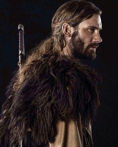 Crédit IG / @vikingsltv Vikings; viking; viking jewelry; viking ring; viking necklace; viking bracelet; viking pendant; viking store; viking shop; odin; thor; mjolnir; ragnar; ragnar lothbrok; ragnar lodbrok: bjorn; rollo; floki Vikings Tv Show, Vikings Tv Series, Bracelet Viking, Viking Jewelry, Ancient Jewelry, Floki, Ragnar Lothbrok, Rollo Vikings, Roi Ragnar