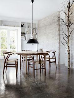 Wishbone Chair CH24 Natural Wood - Carl Hansen & Son