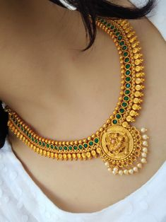 Stylish necklace design - The handmade craft Indian Jewelry Earrings, Jewelry Design Earrings, Indian Jewelry Sets, Gold Earrings Designs, Gold Jewellery Design, Necklace Designs, Indian Gold Necklace, Gold Haram Designs, Women's Jewelry
