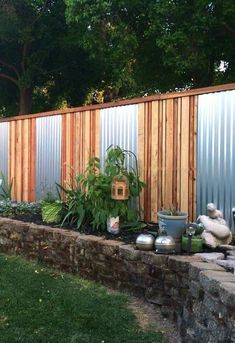 cheap fence ideas cheap fence ideas for backyard cheap diy fence ideas cheap wood fence ideas cheap fence post ideas cheap front fence ideas cheap privacy fence ideas for backyard cheap fence screening ideas Diy Privacy Fence, Privacy Fence Designs, Backyard Privacy, Backyard Fences, Backyard Landscaping, Diy Fence, Landscaping Ideas, Fence Gate, Front Fence