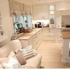 Credit: @drommeverden_no ______________________________________ Tag a interior lover! #loveit #homeinspiration #instacool #interiordesign #interiorforinspo #inspo #design #home #interioroftheday #inspohood #dreaminclassy #interiores #decora #decoracion #inspiration #classy #style #classyinteriors #interiorinspirasjon #amazing by hem_inspiration