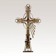 Grabkreuz »Marcioso« mit Jesus • Hochwertige Schmiedekunst & Handarbeit • Jetzt versandkostenfrei kaufen bei ▷ Serafinum.de