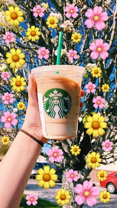 Copo Starbucks, Starbucks Art, Bebidas Do Starbucks, Secret Starbucks Drinks, Starbucks Recipes, Starbucks Coffee, Starbucks Emoji, Milk Shakes, Frappuccino