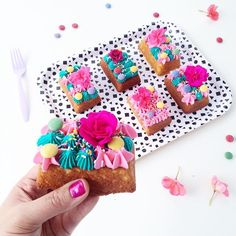 """Wild and wonderful mini cakes 💖! Bright + beautiful mini """"everything"""" tea cakes with vanilla buttercream piping, colourful candy, sprinkles and fresh flowers 🌸 @SMARTIES_ca #HowDoYouSMARTIES? #sponsored"""