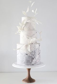 Simple Romantic Wedding Cakes ★ simple romantic wedding cakes leaves white cake Best Picture For romantic wedding cake elegant For Your Taste You are looking for something, and it Wedding Wows, Elegant Wedding Cakes, Beautiful Wedding Cakes, Beautiful Cakes, Amazing Cakes, Cake Wedding, Elegant Cakes, Perfect Wedding, Dream Wedding