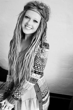 I love how skinny these dreads are