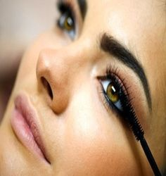 Are you struggling to know how to remove waterproof mascara? These 5 are the best ways to remove waterproof mascara easily without losing your lashes. Thick Lashes, Thicker Eyelashes, Long Eyelashes, Eyelashes Grow, Permanent Eyelashes, Applying Eye Makeup, Eye Makeup Tips, Applying Mascara, Makeup Tricks