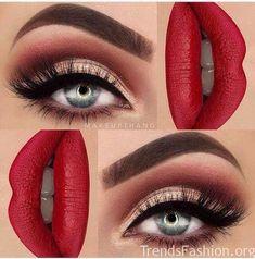 Eye Makeup Tips.Smokey Eye Makeup Tips - For a Catchy and Impressive Look Gorgeous Makeup, Love Makeup, Makeup Inspo, Makeup Inspiration, Makeup Ideas, Red Makeup, Makeup Tutorials, Makeup Trends, Makeup Eyeshadow