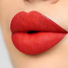 Wedding makeup red lips shades for 2019 Lip Gloss Colors, Lipstick Colors, Red Lipsticks, Lip Colors, Purple Lipstick, Red Lip Makeup, Rave Makeup, 80s Makeup, Pink Lips