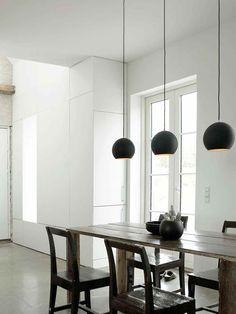 Topan VP6 ist nicht nur eine Pendelleuchte, sie ist ein Design Klassiker. Lampen & Leuchten &tradition online kaufen bei DesignOrt Berlin Onlineshop