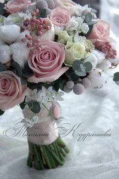 Зимний букет невесты Hand tied bouquet