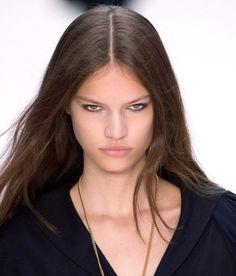 10 Cara Menyulap Rambut Tipis Jadi Lebih Bervolume