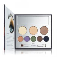 JANE IREDALE In the Blink of a Smoky Eye Smoky Eye Kit - paleta de sombras super pigmentadas e 3 pós compactos, feitos de pigmentos minerais, livres de substâncias irritantes. Vende online, lojas de cosméticos nos EUA. Preço Médio: US$50. #cosmeticdetox #maquiagem #paleta #sombra #makeup #maquillage #eyeshadow #pallete #janeiredale #vegan #crueltyfree