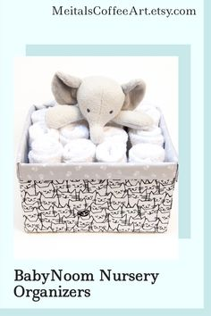 This new mommy gift is perfect for a monochrome nursery (if you don't know nursery colors this will fit!). This cat art bin could also be great for storing your pet toys and treats :)🐱Personalized this toy box with your cat's or baby's name and make your gift special! Girl Nursery, Nursery Decor, Baby Storage Baskets, Personalised Toy Box, New Mommy Gifts, Art Bin, Monochrome Nursery, Diaper Caddy, Baby Girl Princess