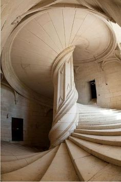 i want to visit this staircase at La Rochefoucauld, France