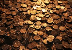 Want an interesting collector's item? 1943 pennies are great additions to any coin collection since there are two versions of the 1943 penny. Dollar General Penny Items, 1943 Penny, Penny Date, Valuable Pennies, Penny Auctions, Life On A Budget, Copper Penny, Penny Stocks, Zig Ziglar