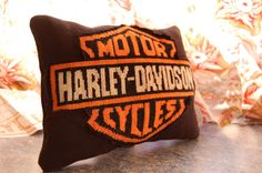 Oh, Harley… A gift, for special friend,for a Harley Davidson rider. So he gets cross-stitch pillow.