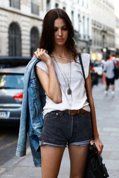 Summer Fashion Tips Womens Style - Street Style aesthetic.Summer Fashion Tips Womens Style - Street Style aesthetic Looks Street Style, Looks Style, Style Me, Style Blog, Summer Outfits, Cute Outfits, Spring Summer Fashion, Summer Chic, Summer Breeze