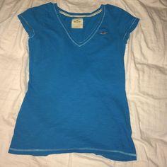 Hollister must have v neck t shirt V neck t shirt Hollister Tops Tees - Short Sleeve