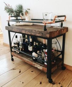 Wood rusticRustic Wood - Must-See Bar Cart Eye Candy and Inspiration - PhotosBuild a simple DIY bar cart for your next Christmas partyBuild a simple DIY bar cart for your next Christmas party - build Diy Bar Cart, Gold Bar Cart, Bar Cart Styling, Bar Cart Decor, Bar Cart Wood, Wooden Cart, Mini Bars, Bar Furniture, Rustic Furniture