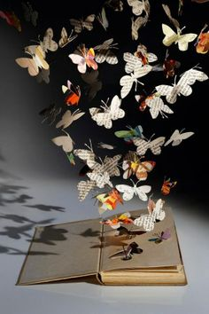 Portfolio Book-Cut Sculpture - this is just one of many. The artist's work is the most diverse I've ever seen in paper cut/sculpture. Butterfly Books, Paper Butterflies, Butterfly Art, Butterfly Mobile, Beautiful Butterflies, Butterflies Flying, Butterfly Cutout, Butterfly Project, Monarch Butterfly