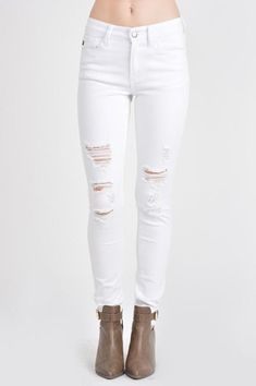 731f12dcd1 My jeans for the baile sorpresa another option White Jeans Outfit, White  Ripped Jeans,