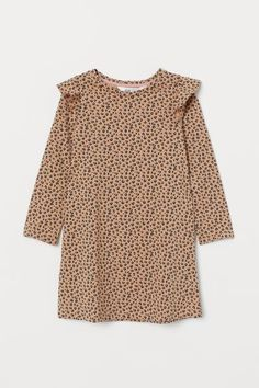 Straight-cut dress in soft, patterned cotton jersey with a round, ribbed neckline, a flounced trim over the shoulders and long sleeves. Straight Cut Dress, Motif Leopard, Calf Length Dress, Beige Dresses, Dark Beige, Fashion Company, Kids Fashion, Girl Outfits, Dresses With Sleeves