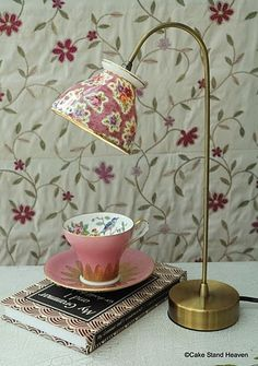 "Tea cup lamp, not a hugh ""teacup"" fan but, this is so cute. Cute for a kitchen counter/nook, reading table or night stand. Not My China But maybe some from the thrift store Tea Cup Lamp, Tea Cups, Coffee Cups, Deco Cafe, Art Decor, Diy Home Decor, Teacup Crafts, Teacup Decor, Thrift Store Crafts"