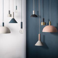 Edler Blickfang: Die ferm Living - Socket Pendelleuchten machen einen edlen Eindruck im minimalistischen Stil.
