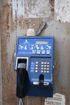 Globe-T. @ La Havane (Cuba). Téléphone public. Globe-T. @ Havana (Cuba). Public phone.