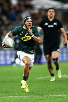 Cheslin Kolbe Photos Photos: New Zealand vs. South Africa – The Rugby Championship – Game Day Quotes Rugby Sport, Rugby Club, Rugby Men, Rugby Wallpaper, Rugby Videos, South African Rugby, Game Day Quotes, Rugby Championship, Rugby Training