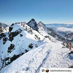 Rysy wierzchołek słowacki  foto @beztroskiewczasy ..... je nádherné spoznávať #praveslovenske  #rocks #winter #hiking #tatry #tatramountains #rysy #mountains #snow #peak #nature #landscape #slovensko #slovakia