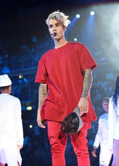 Listen to every Justin Bieber track @ Iomoio Justin Bieber Long Hair, Justin Bieber Fotos, Justin Bieber 2015, Justin Bieber Outfits, Justin Bieber Images, Justin Bieber Posters, Justin Bieber Style, Justin Bieber Wallpaper, Justin Bieber Fashion