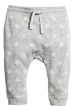 Joggers in soft, organic cotton sweatshirt fabric. Elasticized waistband and ribbed hems. Baby Outfits Newborn, Baby Boy Outfits, Shoe Stores Near Me, Joggers Outfit, Jogger Sweatpants, Kids Fashion Boy, Baby Pants, Coton Bio, Cute Outfits For Kids
