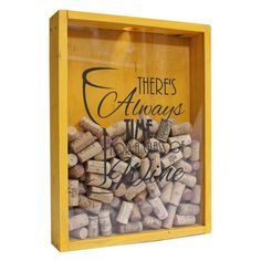 Quadro para rolhas de vinho em madeira de reflorestamento e tampa em acrílico cristal deslizante.
