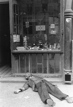 Forbidden Photographs of the Warsaw Ghetto (22)