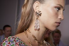 Runway Jewellery: The Roxanne Tassel Earring and #GeminiLink Chain Necklace #ToryBurchFW20 #NYFW #ToryBurch