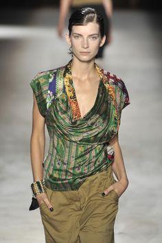 Dries Van Noten at Paris Fashion Week Spring 2010 - Runway Photos