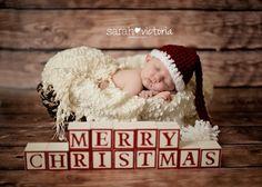 newborn photography Christmas baby girl Friendswood, TX Alvin, TX Sarah Victoria Photography