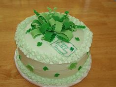 Shamrock Birthday chocolate cake with whipped cream frosting, flavored with mint.bow and shamrocks are fondant. Birthday Chocolates, Whipped Cream Frosting, Chocolate Cake, Fondant, Cake Recipes, Cake Decorating, Mint, Favorite Recipes, Birthday Cakes