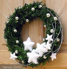 VK is the largest European social network with more than 100 million active users. Christmas Door Wreaths, Christmas Flowers, Holiday Wreaths, Winter Christmas, Natal Diy, Christmas Arrangements, Christmas Crafts, Christmas Ornaments, Christmas Inspiration
