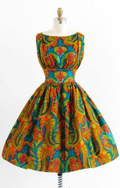 Ohhh I so love this vintage orange + teal Indian paisley dress African Print Dresses, African Print Fashion, African Dress, African Prints, Vintage Dresses 1960s, Vestidos Vintage, Vintage Outfits, 60s Dresses, Vintage Clothing