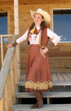 Michael J. American frontier women in the late began wearing practical buckskin skirts and vests. Our handmade cowgirl clothing is made from quality deerskin. Cowgirl Skirt, Cowgirl Chic, Cowgirl Style, Cowboy Vest, Vintage Western Wear, Western Girl, Vintage Cowgirl, Western Theme, Western Style
