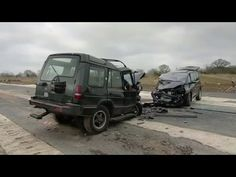 Land Rover Discovery vs. Renault Espace crash test results (video in the link)