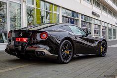 Ferrari f12 schöner wie neu