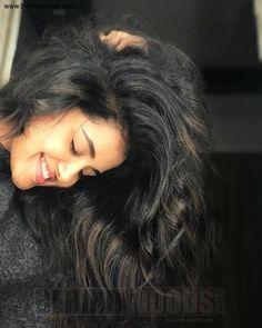 Anupama Parameswaran (aka) Anupama high quality photos stills images & pictures Beautiful Girl Photo, Cute Girl Photo, Beautiful Smile, Portrait Photography Poses, Photography Poses Women, Photography Pics, Cute Girl Poses, Girl Photo Poses, Most Beautiful Indian Actress