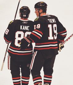 There are never enough pics of Toews and Kane.