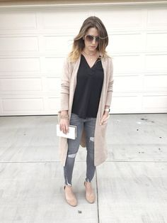 Simple date night outfit: long cardigan, sleeveless top, grey jeans, with a wedge. Purse shown is Rachel Zoe from the box of style, head over to the blog to find out what's in the Spring box. #simpledatenightoutfits #datenightoutfits #simpleoutfits #neutrallayers #grayjeans #shopstyle #myshopstyle #casualstyle #momstyle #everydaystyle #mystyle #outfitideasformoms #outfitideas #momoutfits #shopthelook #SpringStyle #WeekendLook #DateNight #GirlsNightOut www.lifewithklg.com