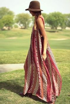 Boho chic/ a simple dress, a hat and some boots..